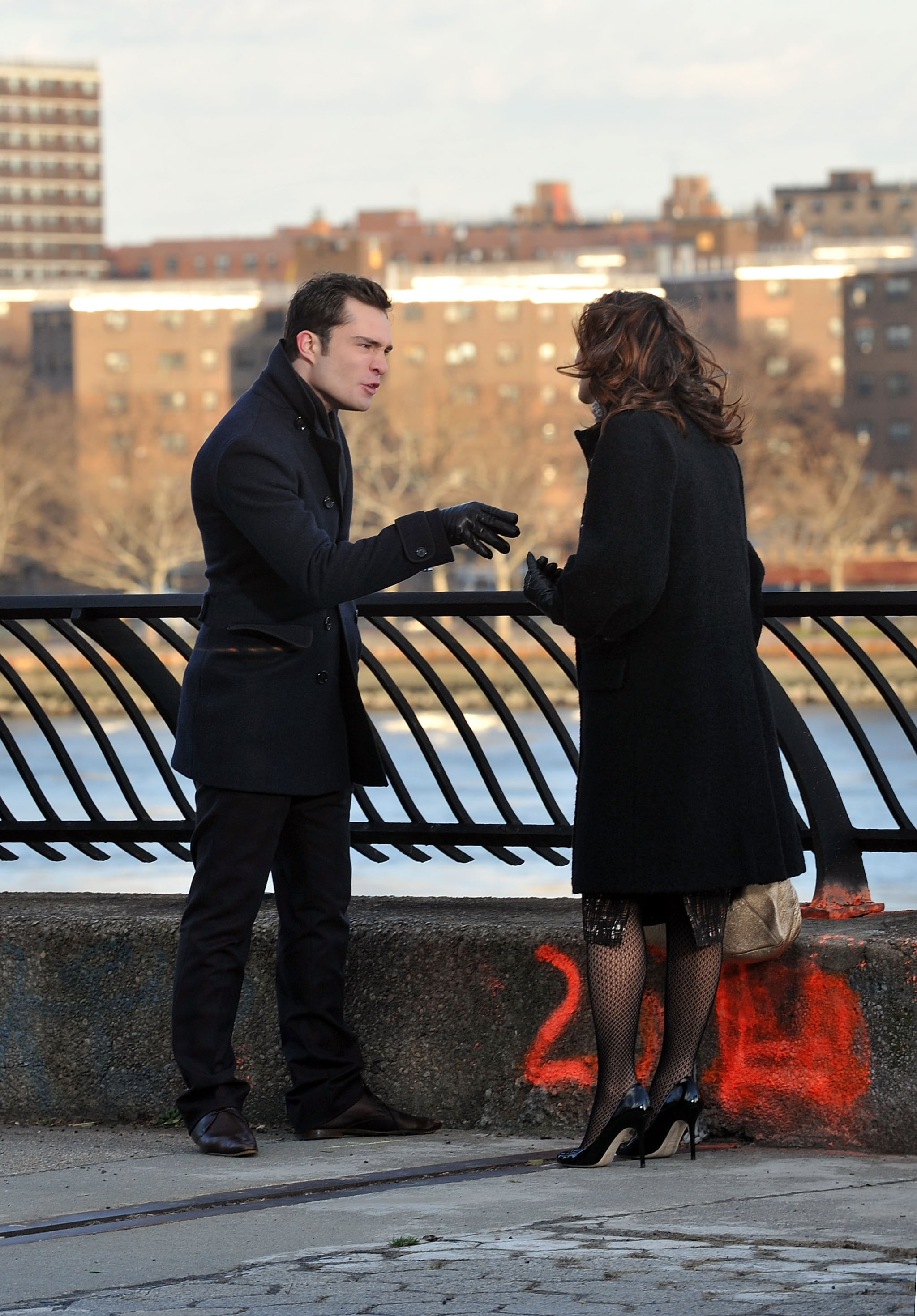 photos of ed westwick and laura harring filming gossip