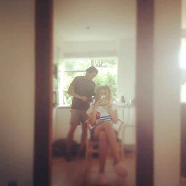 Jesinta Campbell tweeted her pre-shoot hairstyle with stylist Norman Gonzales. Twitter User: JesintaCampbell