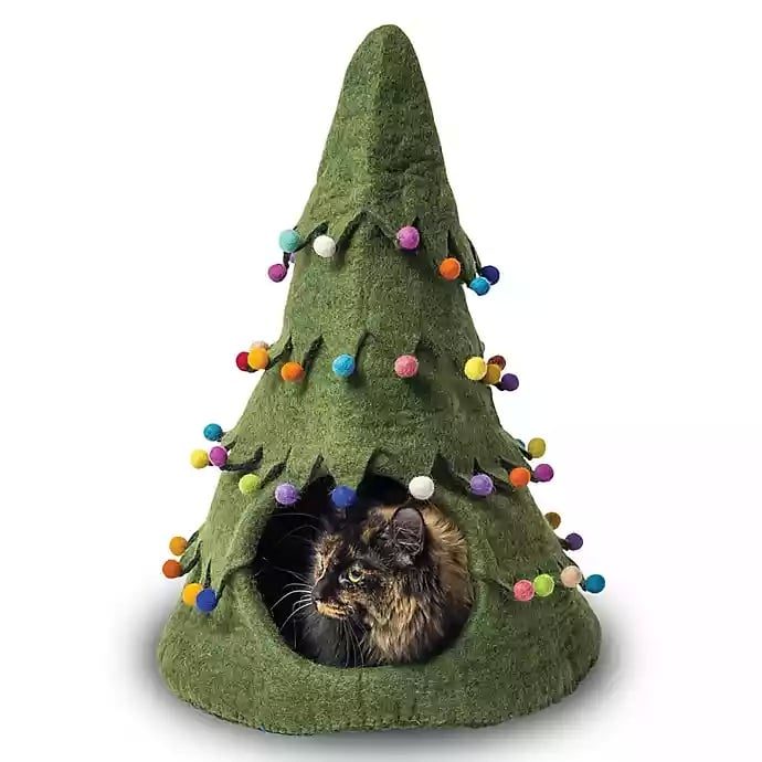 "Nothing Says ""Meowy Christmas"" Like This Holiday-Tree-Shaped Cat House"