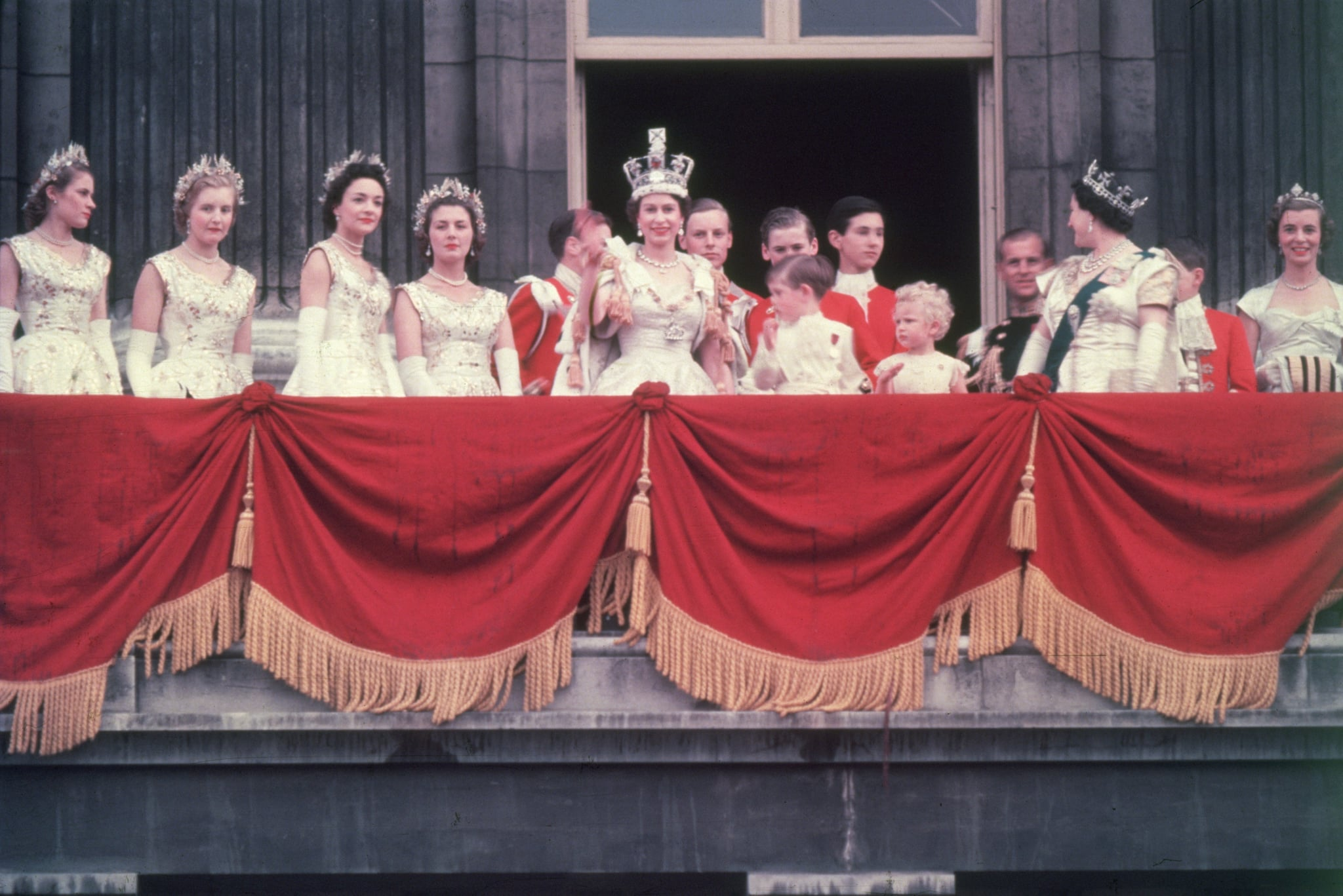 How old was elizabeth ii when she became queen popsugar for Queen on balcony
