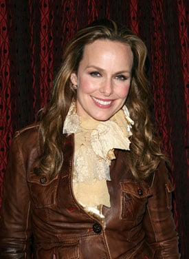 Melora Hardin Lands Female Lead Role in Lights Out Pilot for FX