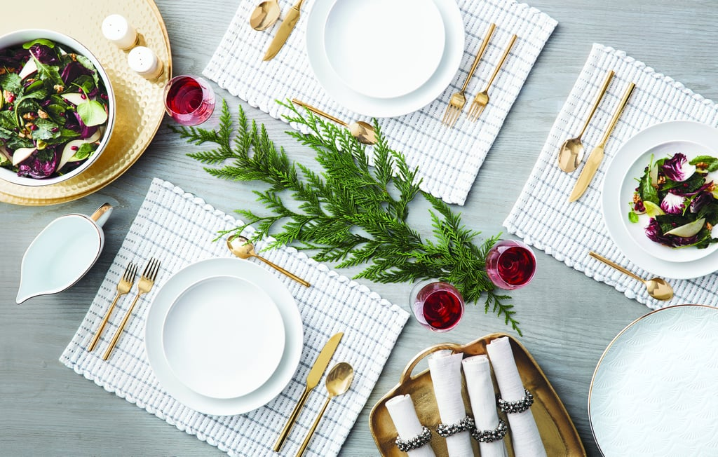 A Seasonal and Colorful Centerpiece