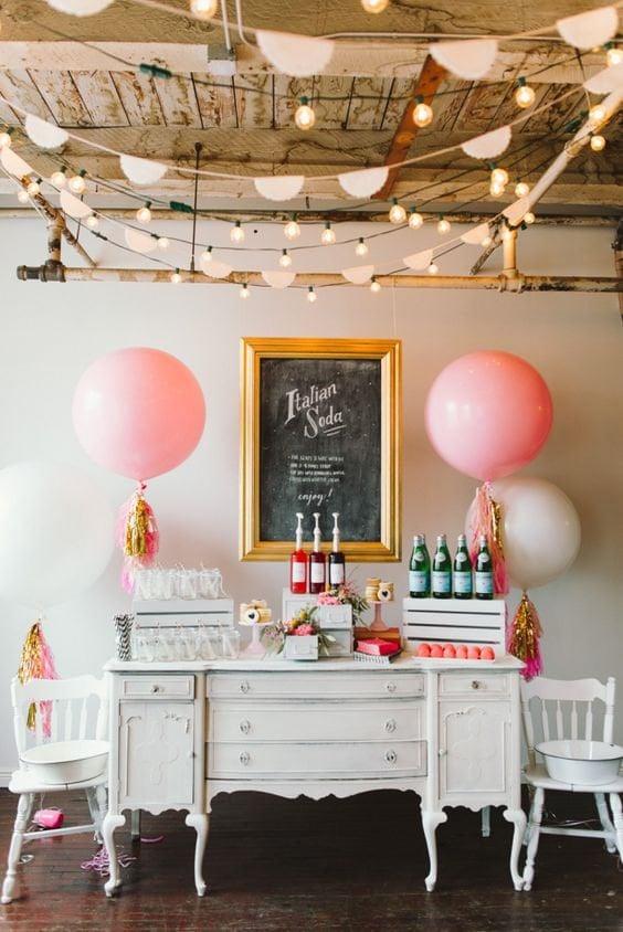 Oversize Tassel Balloons