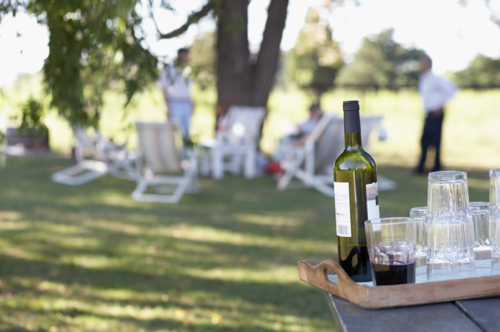 When the Weather Is Hot, Do You Drink Red Wine?
