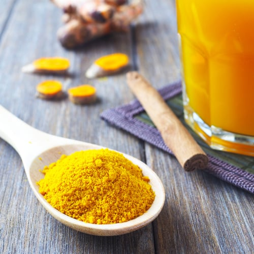 Debloat Your Belly And Get Glowing Skin With This Simple DIY Elixir