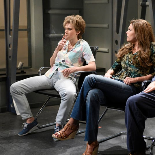 'SNL,' with Alec Baldwin as Trump, addresses gun control ...