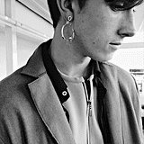 We've been seeing the single statement earring for women as the big trend of 2014, so I'm kind of loving that it's carrying over for men. Knitwear was slashed at the waist to allow the knits to take on a movement of their own away from the body, whilst other pieces such as the oatmeal knitted short suit hugged the body and felt minimal against the tailored blazers and coats.