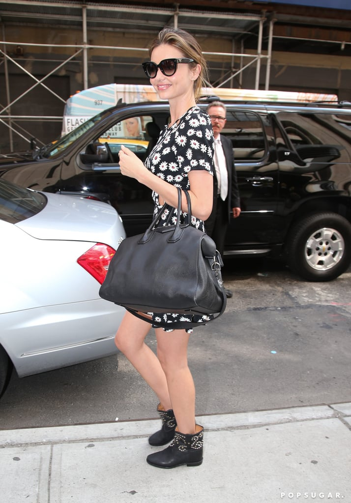 Miranda Hits the Pavement in NYC, While Orlando Says Goodbye to The Hobbit