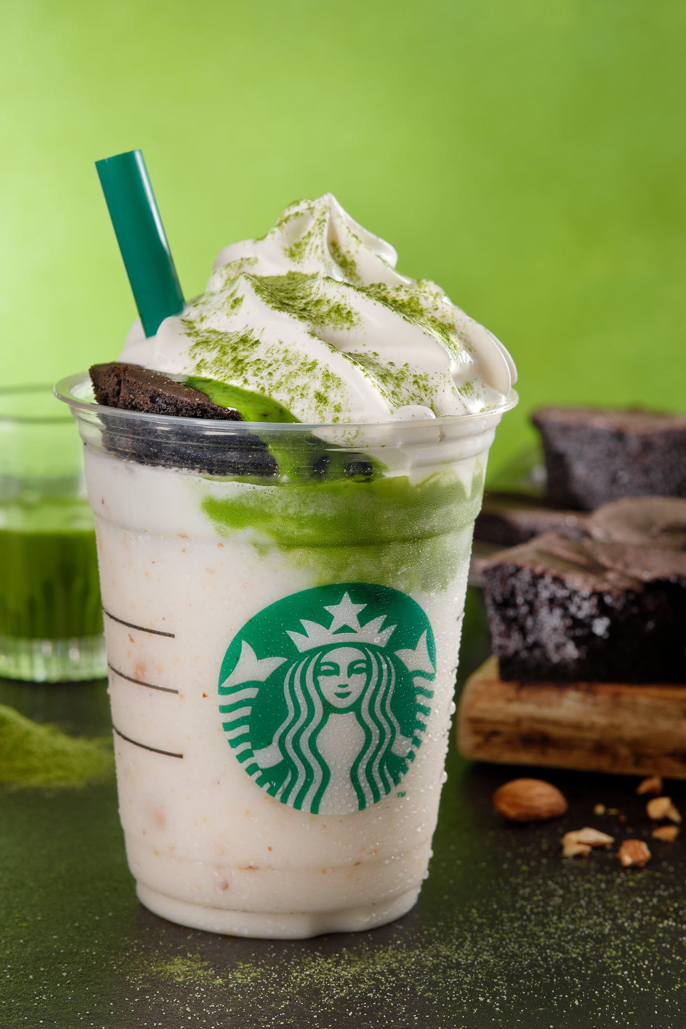 Starbucks's New Chocolate Cake Topped Frappuccinos Will Make You Melt