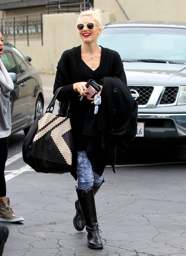 Gwen Stefani carried her oversized bag as she walked to her car.