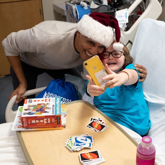 Barack Obama Visits Children's Hospital For Christmas 2018