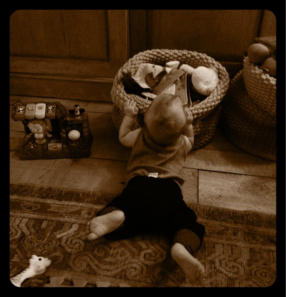 Lil Luca seemed to have found his way to the toy bins at Hilary Duff's home. Source: Twitter user HilaryDuff