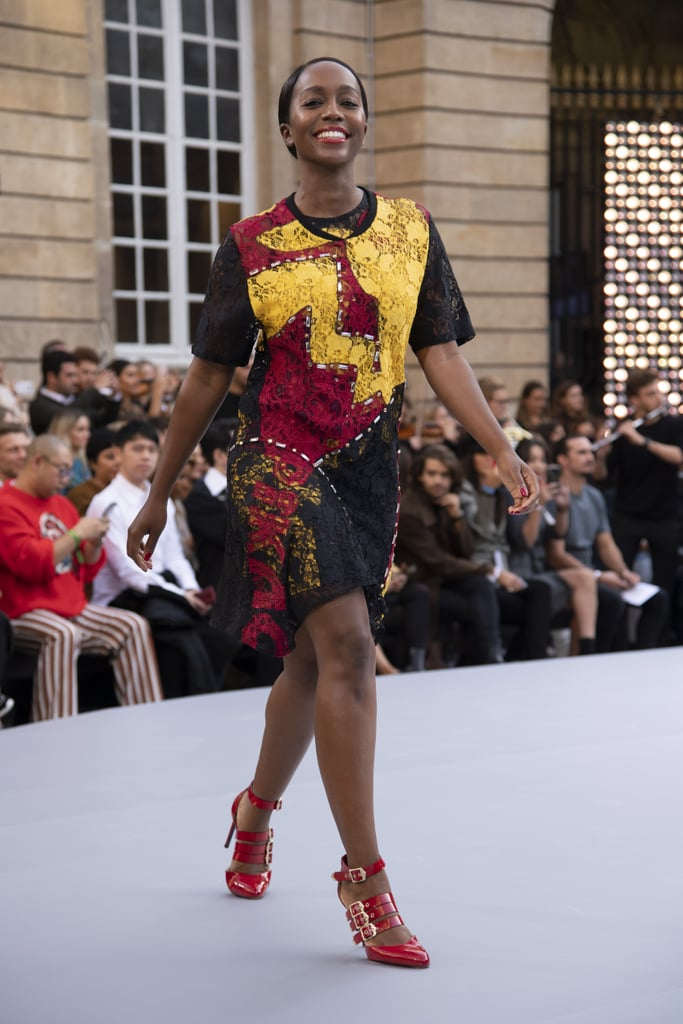 Aja Naomi King Walks Le Défilé L'Oréal Paris 2019