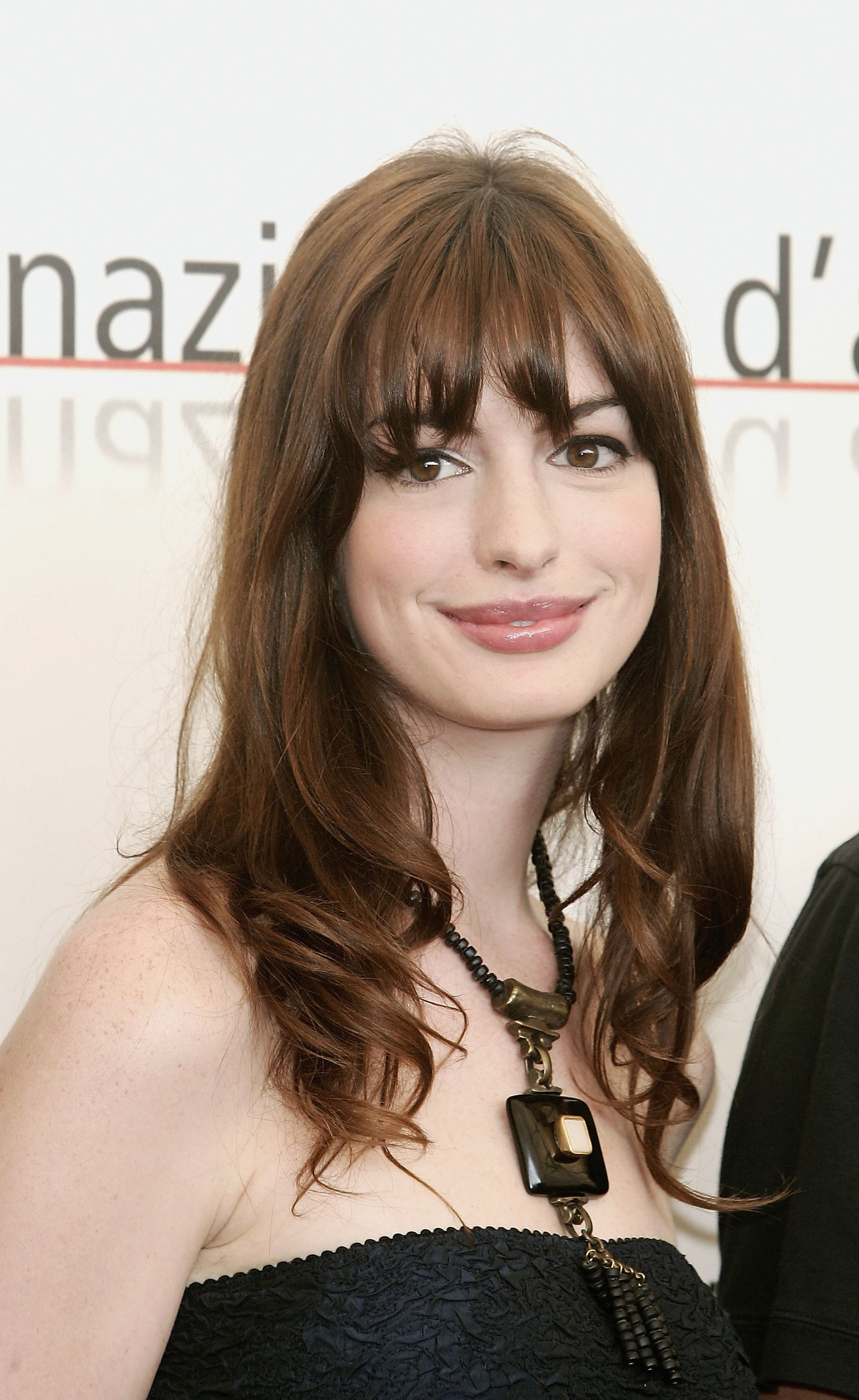 Anne Hathaway Best Beauty Looks Popsugar Beauty