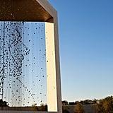 يتكوّن الهيكل، بأبعاده البالغة 30م30xم30xم، من 1,327 مجسّماً معلّقاً تشكّل مجتمعةً صورة سمو الشيخ زايد