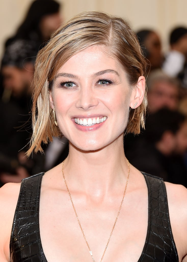 rosamund pike celebrities with wet look hairstyles