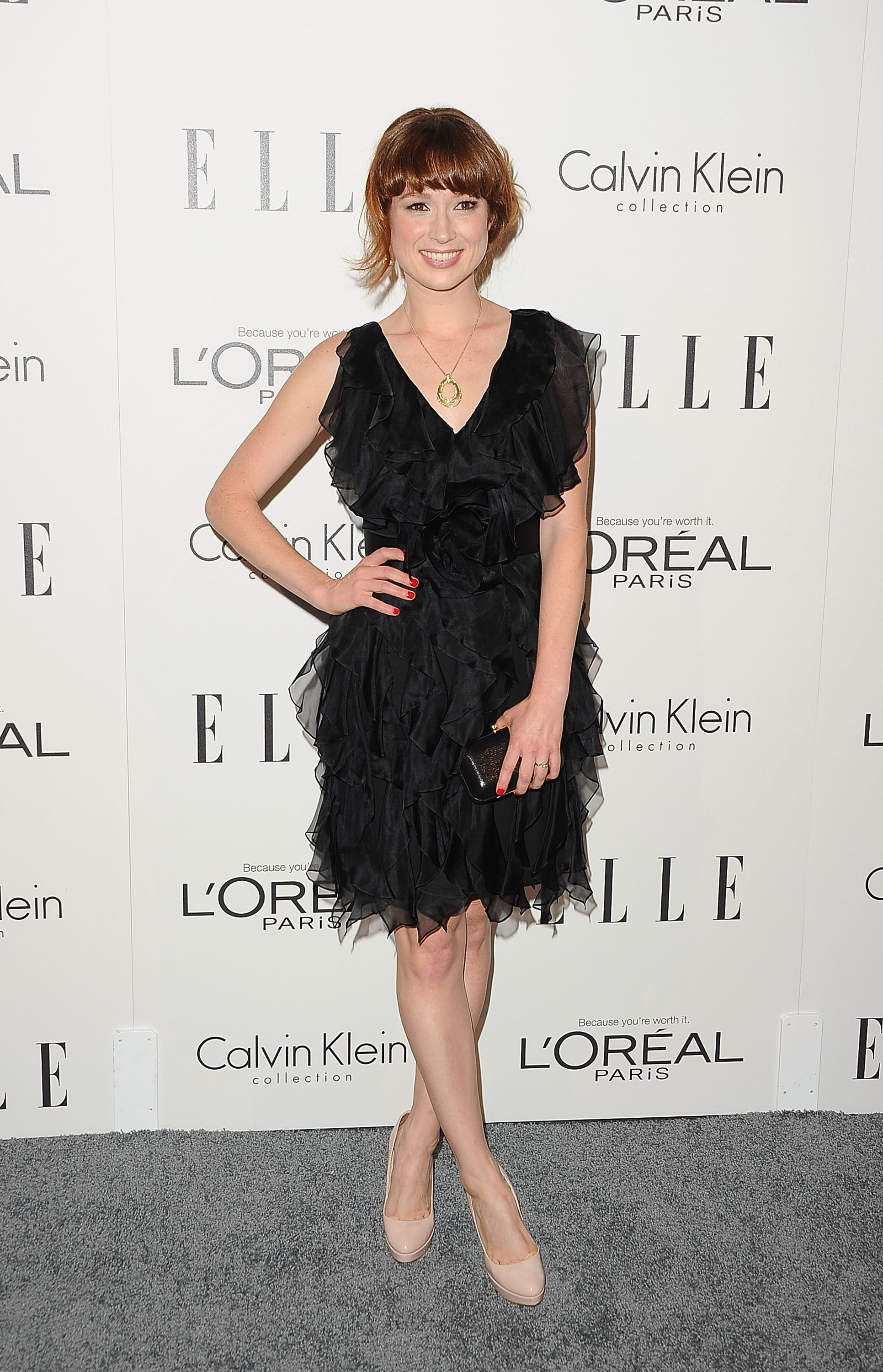 Ellie Kemper wore a textured black dress.