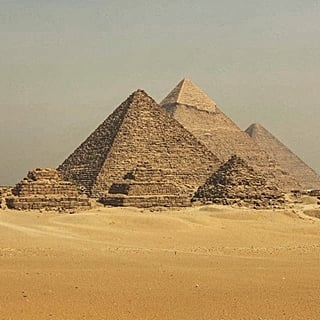 Egyptian Government to Fine Those Who Pester Tourists