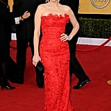 Tina Fey doesn't always get it right on the red carpet, but the 2011 SAG Awards isn't one of those times. She looked amazing on the red carpet in an Oscar de la Renta gown.