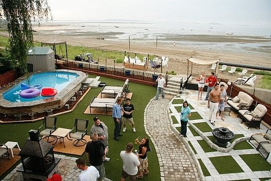 Su Casa: A Beach Backyard to Die For