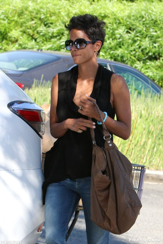 Halle Berry wore a sleeveless shirt to the grocery store.