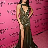 At a Victoria's Secret Fashion Show Afterparty in 2015, Kendall Wore a Plunging Dress