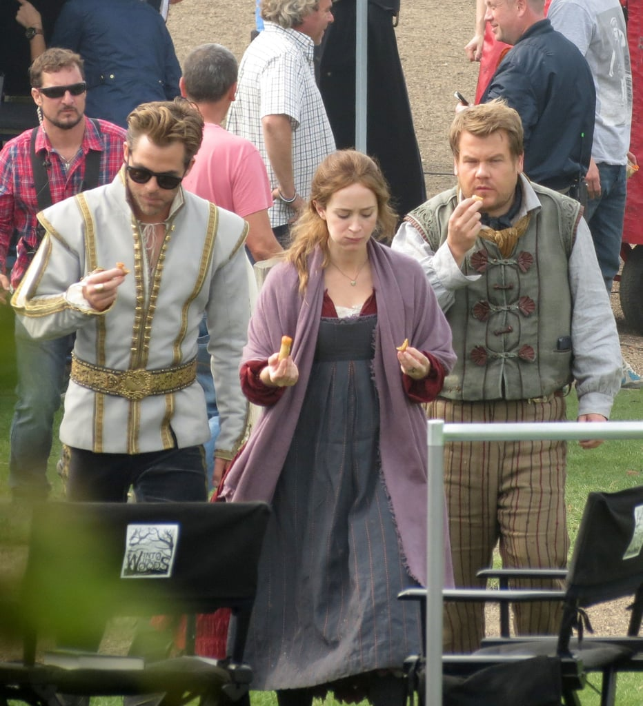 Chris Pine and Emily Blunt ate lunch on the set of Into the Woods.