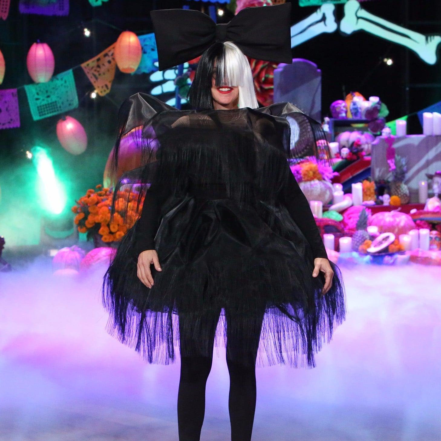ellen degeneress halloween costumes through the years popsugar celebrity