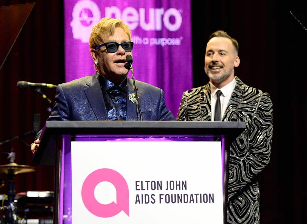 elton chat The official website of elton john, featuring tour dates, stories, interviews, pictures, exclusive merch and more.