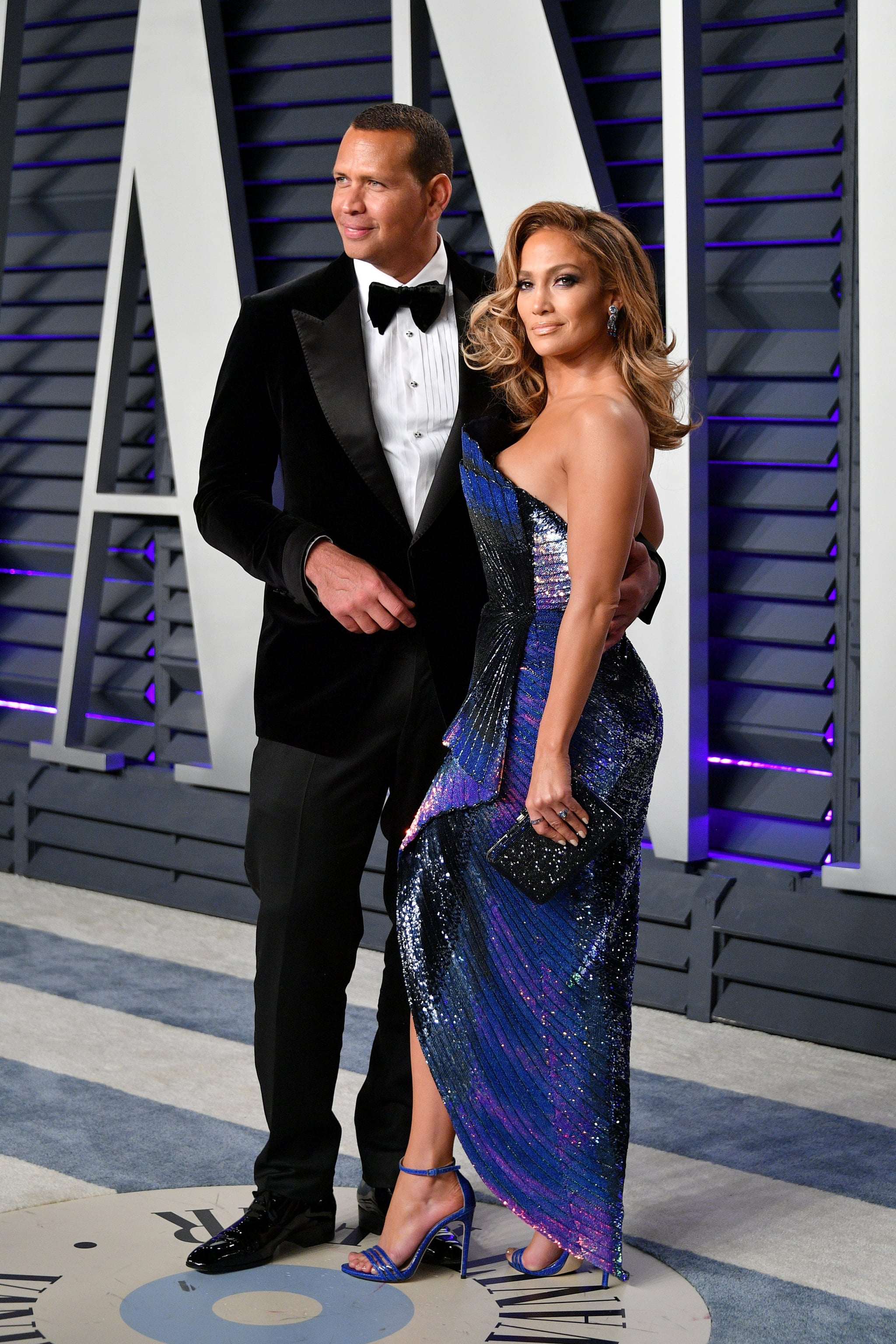 BEVERLY HILLS, CA - FEBRUARY 24:  Alex Rodriguez (L) and Jennifer Lopez attend the 2019 Vanity Fair Oscar Party hosted by Radhika Jones at Wallis Annenberg Centre for the Performing Arts on February 24, 2019 in Beverly Hills, California.  (Photo by Dia Dipasupil/Getty Images)