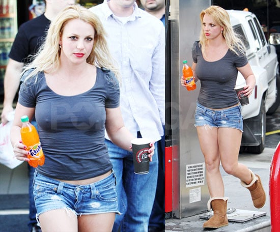 Photos Of Britney Spears In Shorts And Uggs Walking Into A