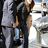 Jennifer Garner traveled in casual clothes.