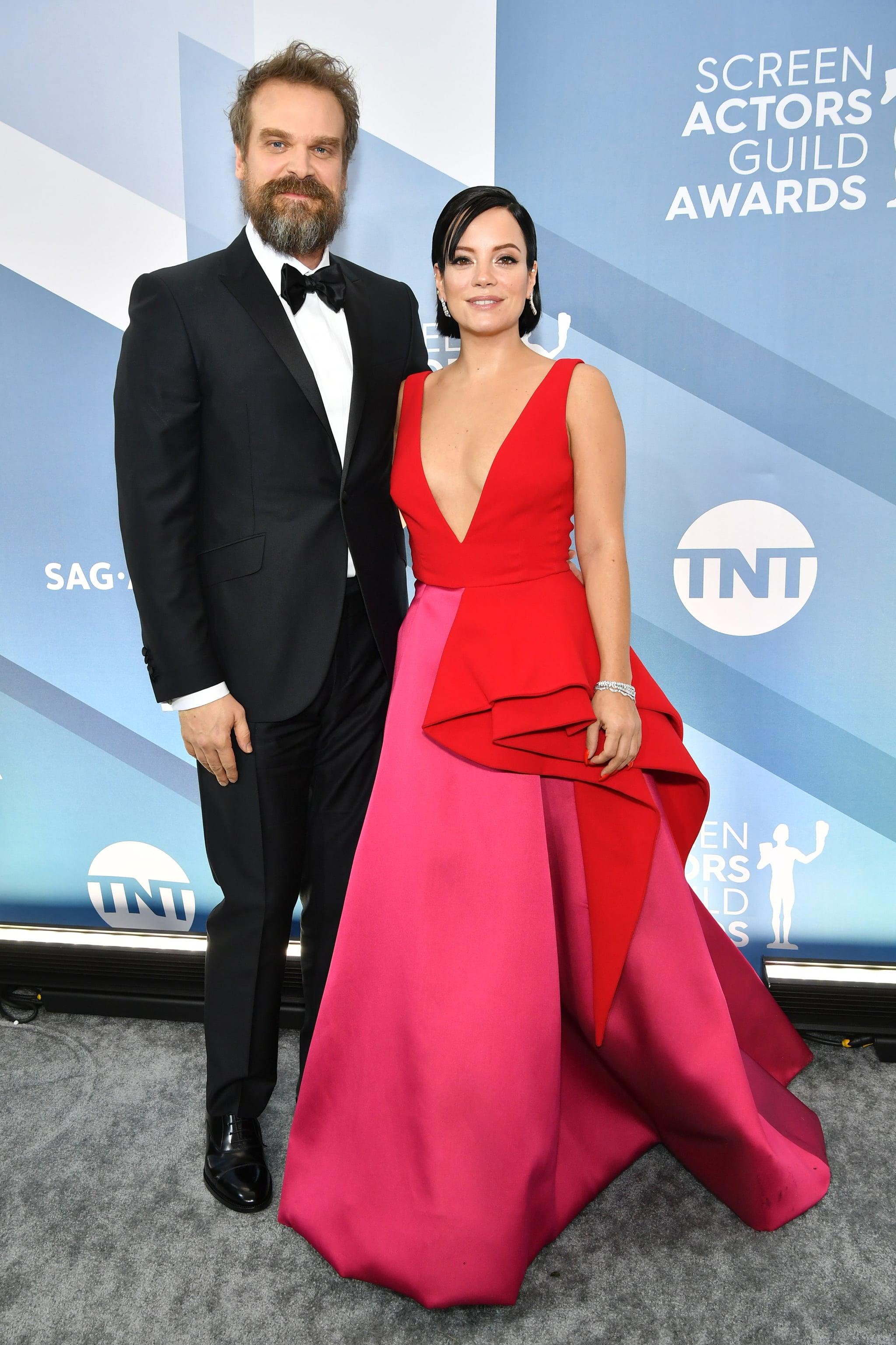 LOS ANGELES, CALIFORNIA - JANUARY 19: David Harbour and Lily Allen attend the 26th Annual Screen Actors Guild Awards at The Shrine Auditorium on January 19, 2020 in Los Angeles, California. (Photo by Amy Sussman/WireImage)