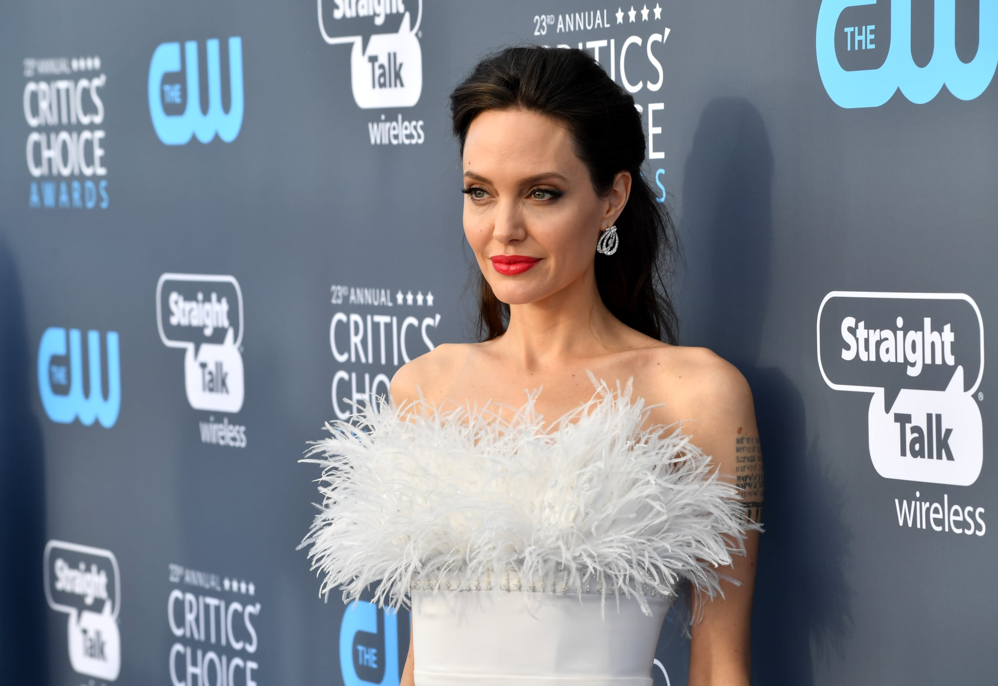 SANTA MONICA, CA - JANUARY 11: Actor/director Angelina Jolie attends The 23rd Annual Critics' Choice Awards at Barker Hangar on January 11, 2018 in Santa Monica, California.  (Photo by Jeff Kravitz/FilmMagic)