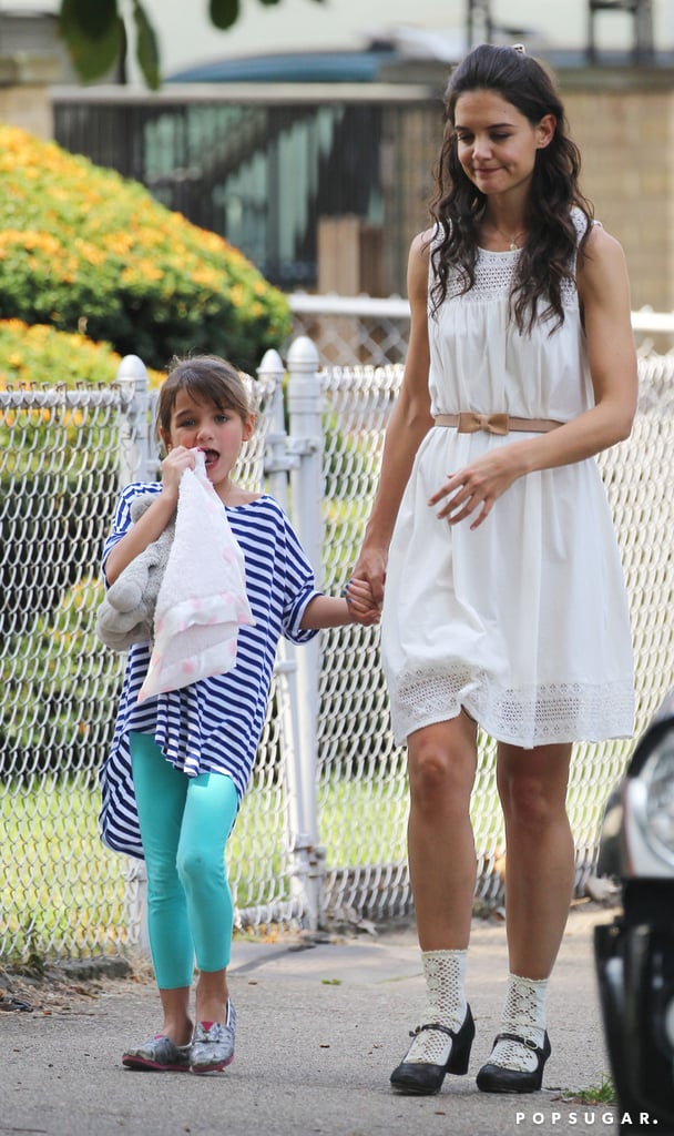 Katie Holmes held hands with Suri Cruise on set.