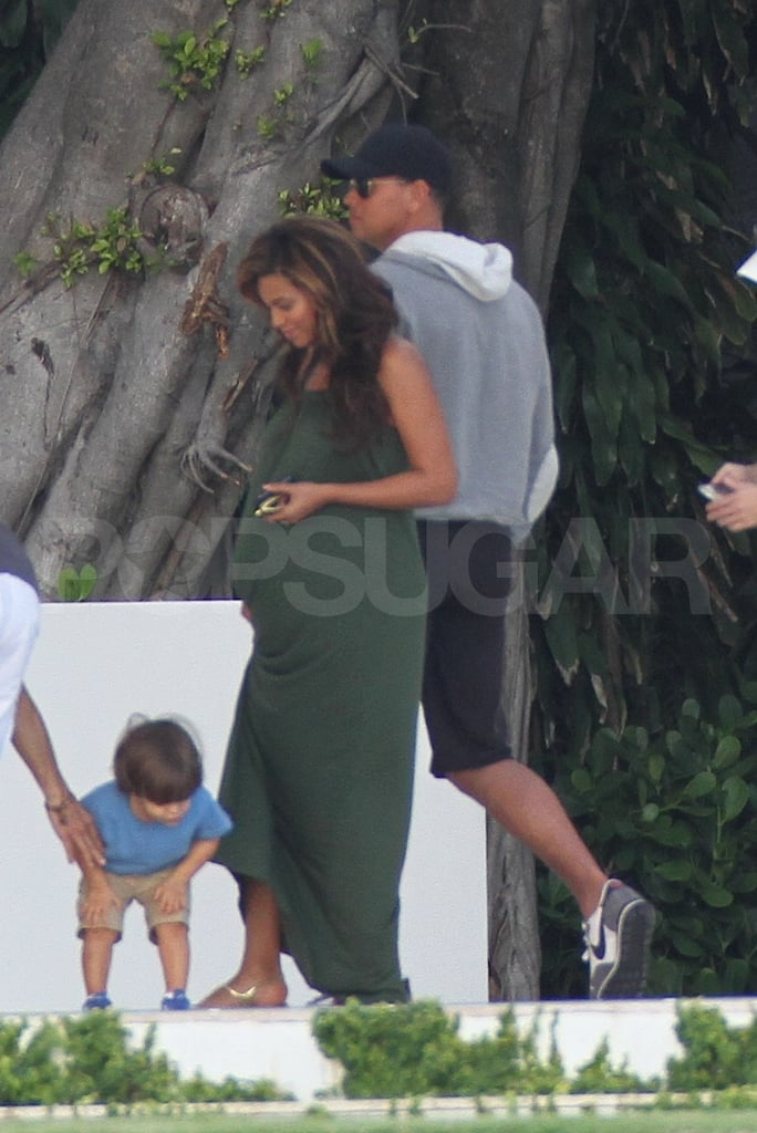 Pregnant Beyoncé Knowles hung out with Alex Rodriguez in Miami.