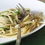 Easy Vegetarian Recipe: Garlicky Arugula Pasta