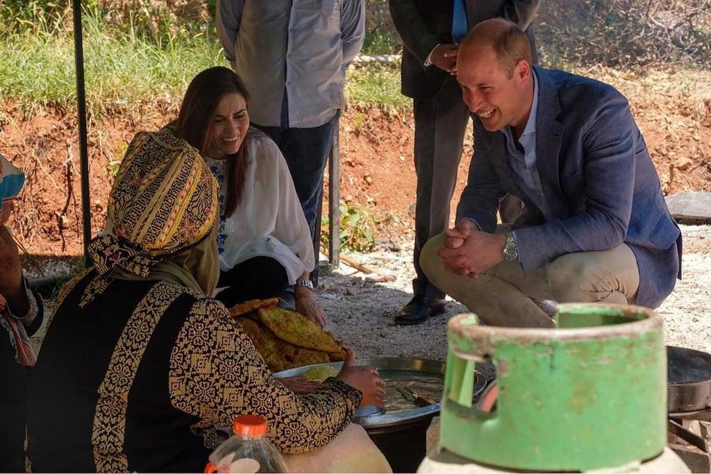 الأمير وليام يحضّر الخبز في الأردن ويسافر إلى فلسطين
