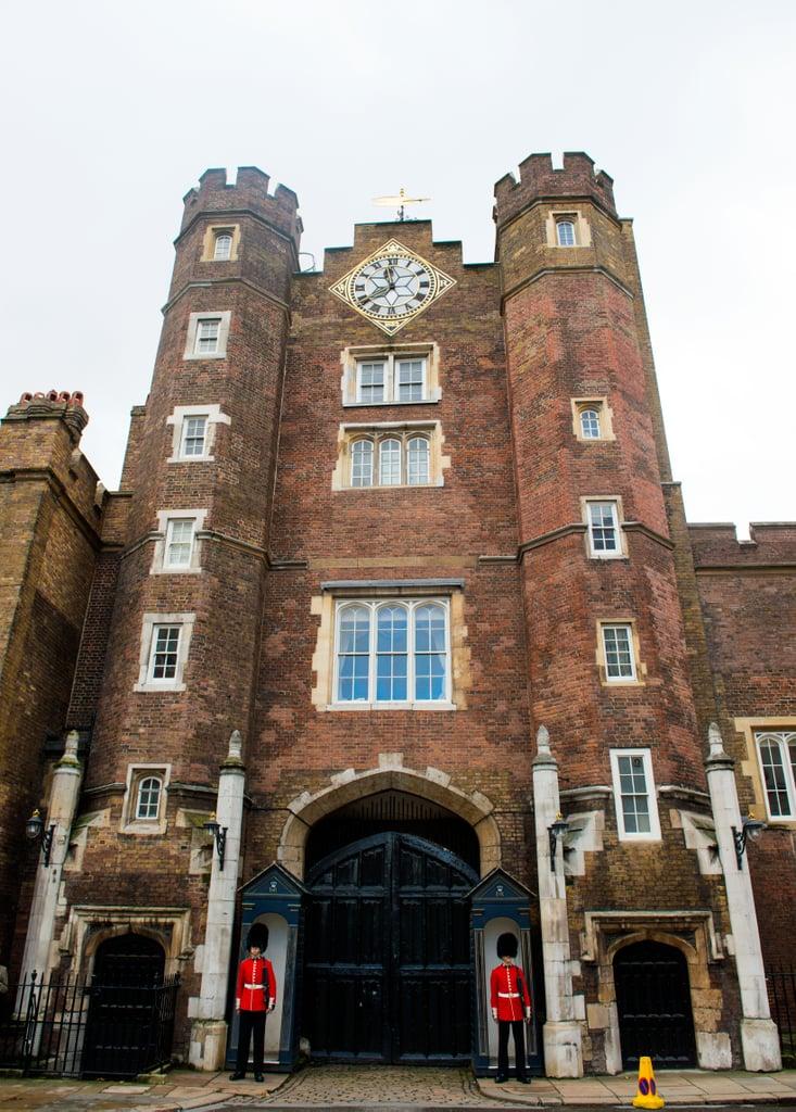 المكان: قصر سانت جيمس