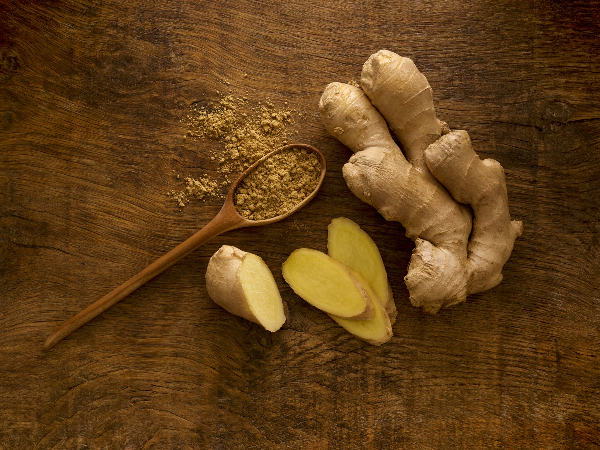 Ginger root and powder, studio shot.