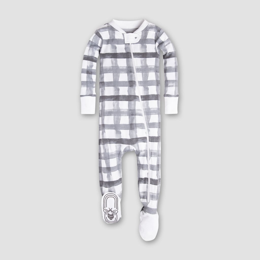 d58e7250a332 Outfits For Newborns to Wear Home From the Hospital