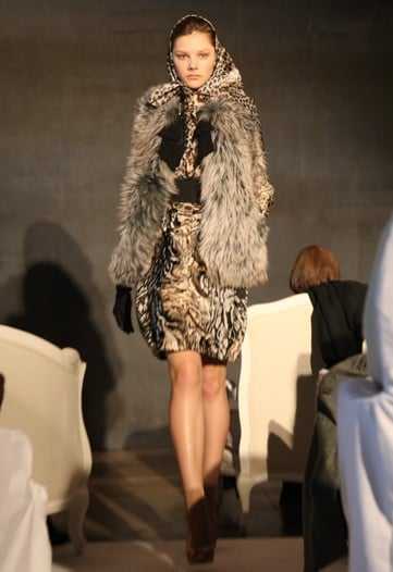 Alber Elbaz Shows Lanvin Pre-Fall 2010, Likens Himself to Carrie from Sex and the City