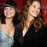 Julia and her Mona Lisa Smile costar Ginnifer Goodwin shared a smile at the movie's premiere in 2003.