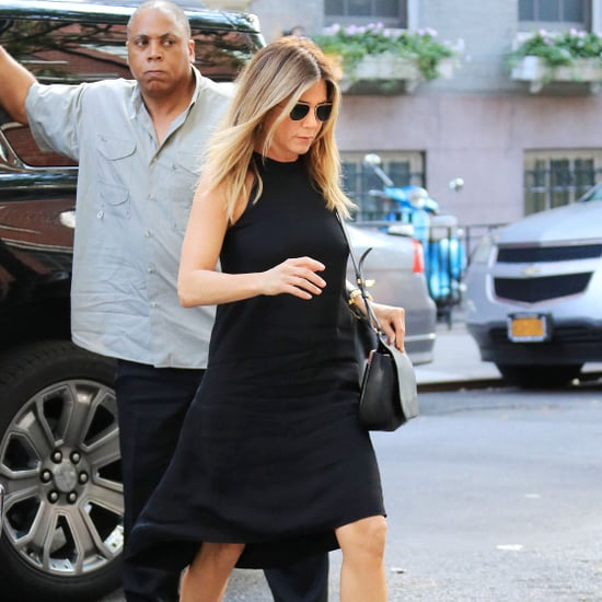 How to Dress Like Jennifer Aniston