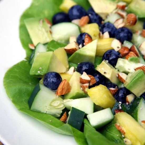 Tropischer Salat für einen flachen Bauch
