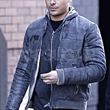 Zac Efron Listens Up as He Continues His NYC Holiday