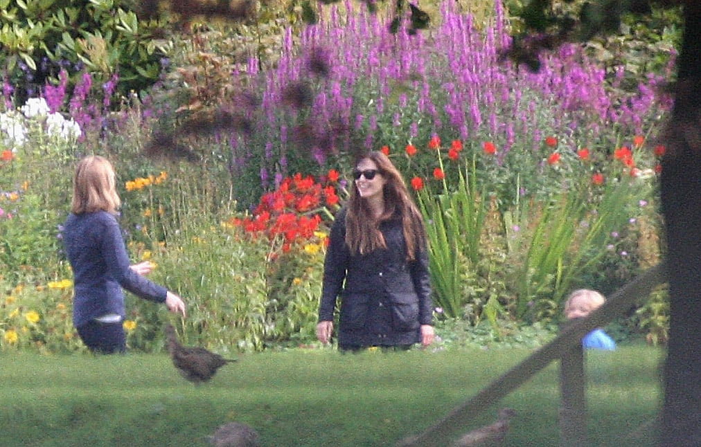 Angelina Jolie Plays With With Knox and Vivienne in Scotland!