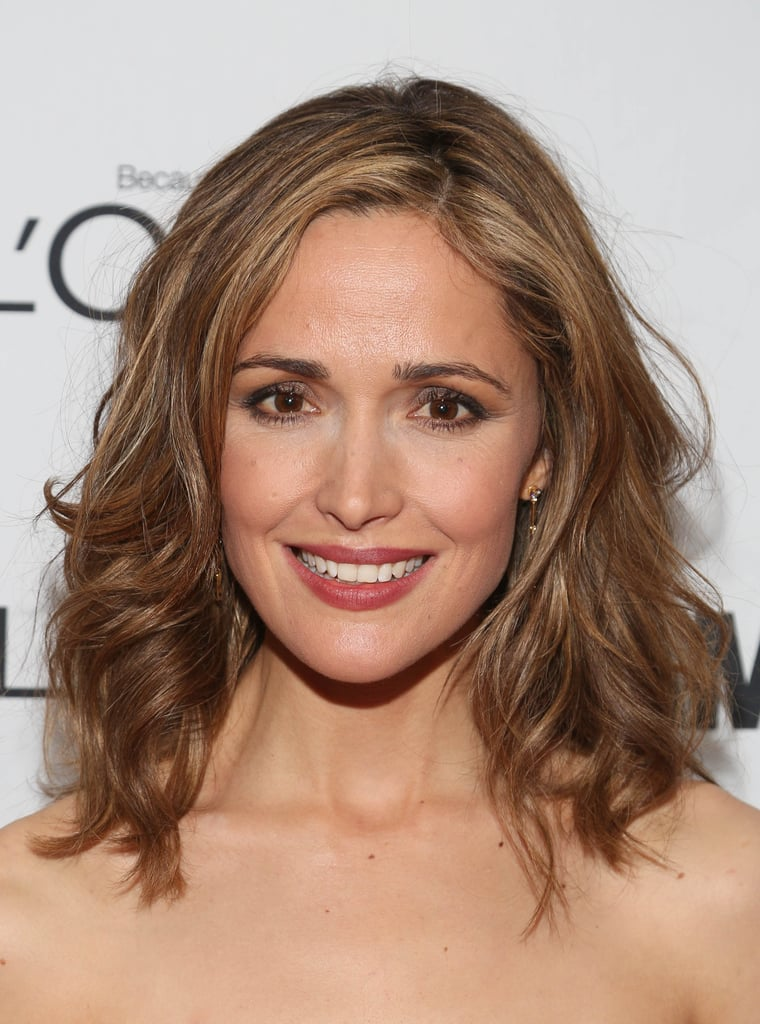You can never lose with a classic smoky eye, and Rose Byrne paired hers with a warm berry lip color. You can copy her style using the Lancome Color Design Eye Palette in Gris Fatale ($49), which makeup artist Leslie Lopez used to create the flattering eye makeup.