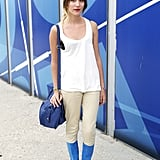 Update a white tank and take it into Fall with skinny (colorblock, optional) bottoms and eye-catching metallic oxfords.