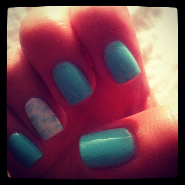 Blue skies with a bit of cloud. . . Alison let the weather inspire her nails for the start of the week.